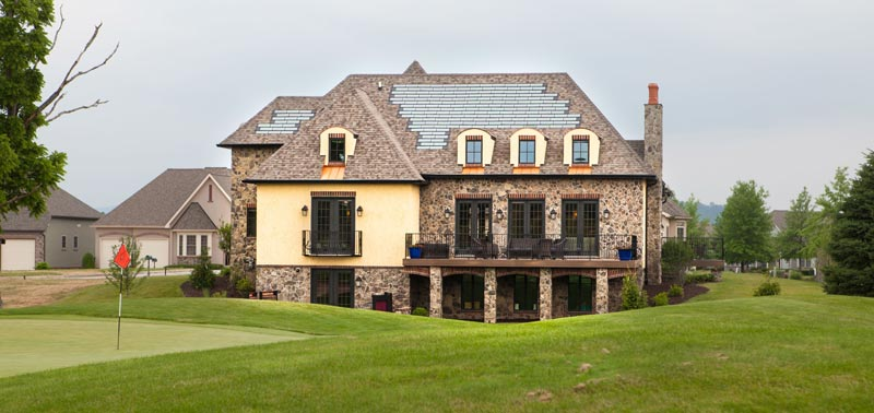 Each home is a stone's throw away from the golf greens and beautiful vistas.